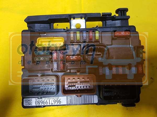 Peugeot Citroen BSM modülü  9667199680 R08