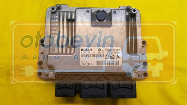 Peugeot 207 cc  0261201643 9664113480 MEV17.4